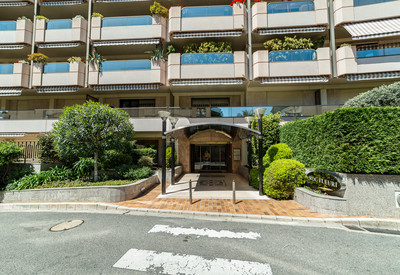 1 bedroom apartment with terrace and private garden - Roc Fleuri