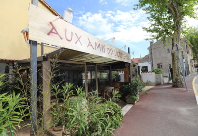 Restaurant au centre de La Turbie