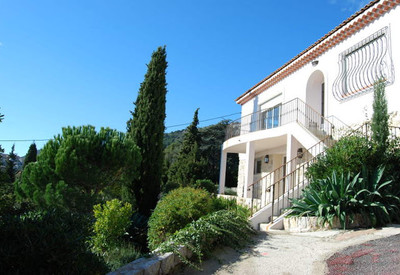 "Villa ""Clos Fleuri"" composed of 2 apartments"