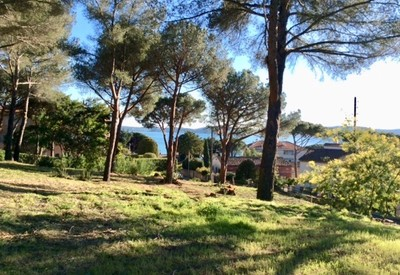 Land in Saint Maxime