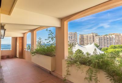 Appartement rénové avec 3 chambres - Monte Marina