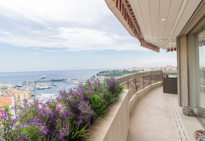Luxurious 5 room apartment with Stunning Seaview