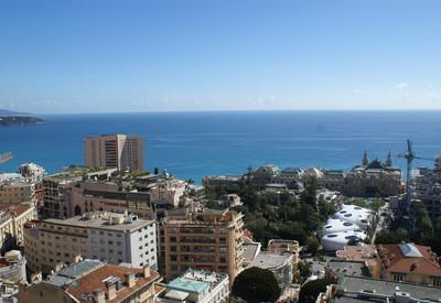 Grand 2 pièces avec vue panoramique mer et casino