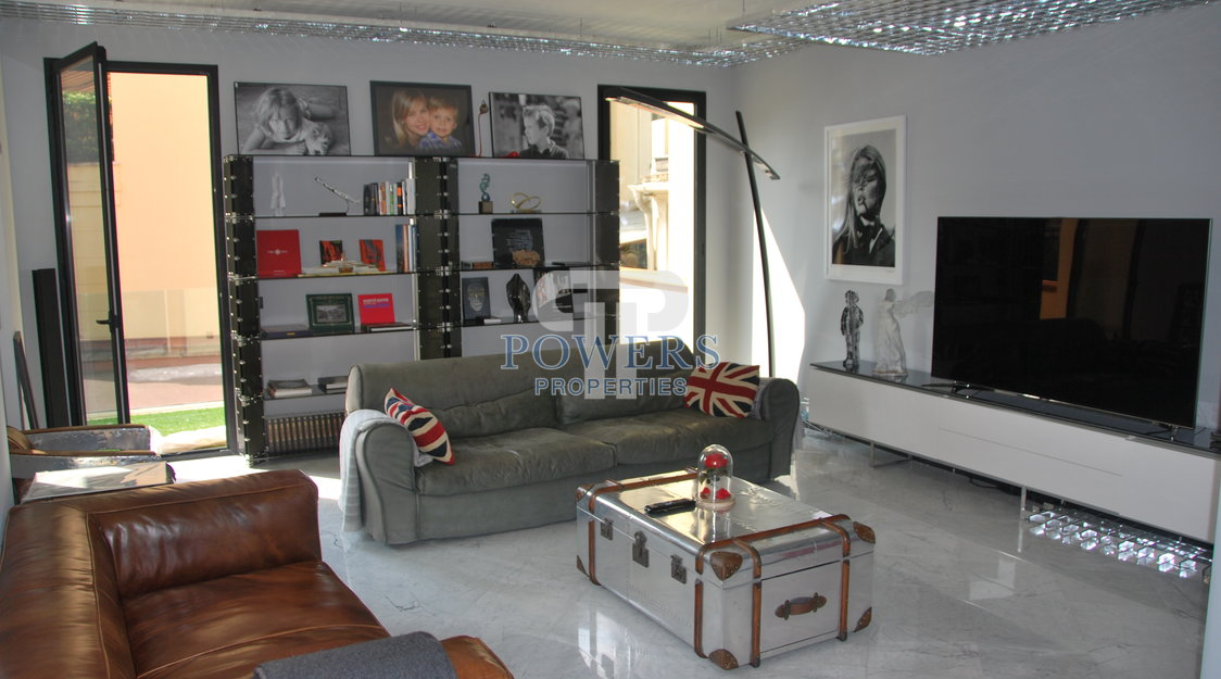 Stunning loft style town house Golden Square