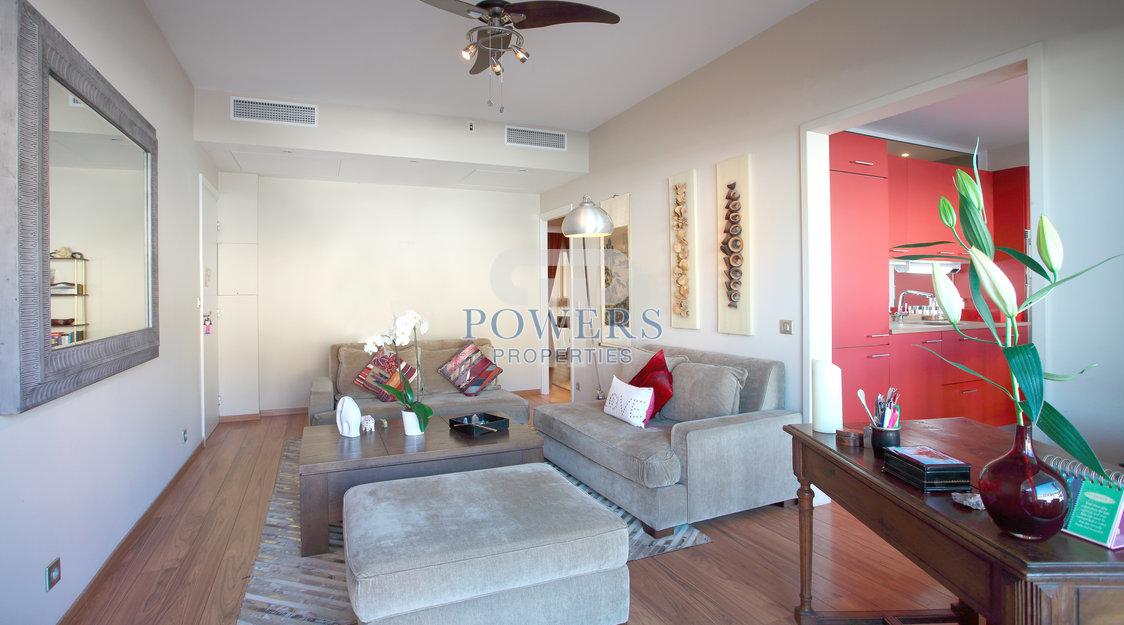 Splendid 2 Bedroom Apartment over looking Port/Sea