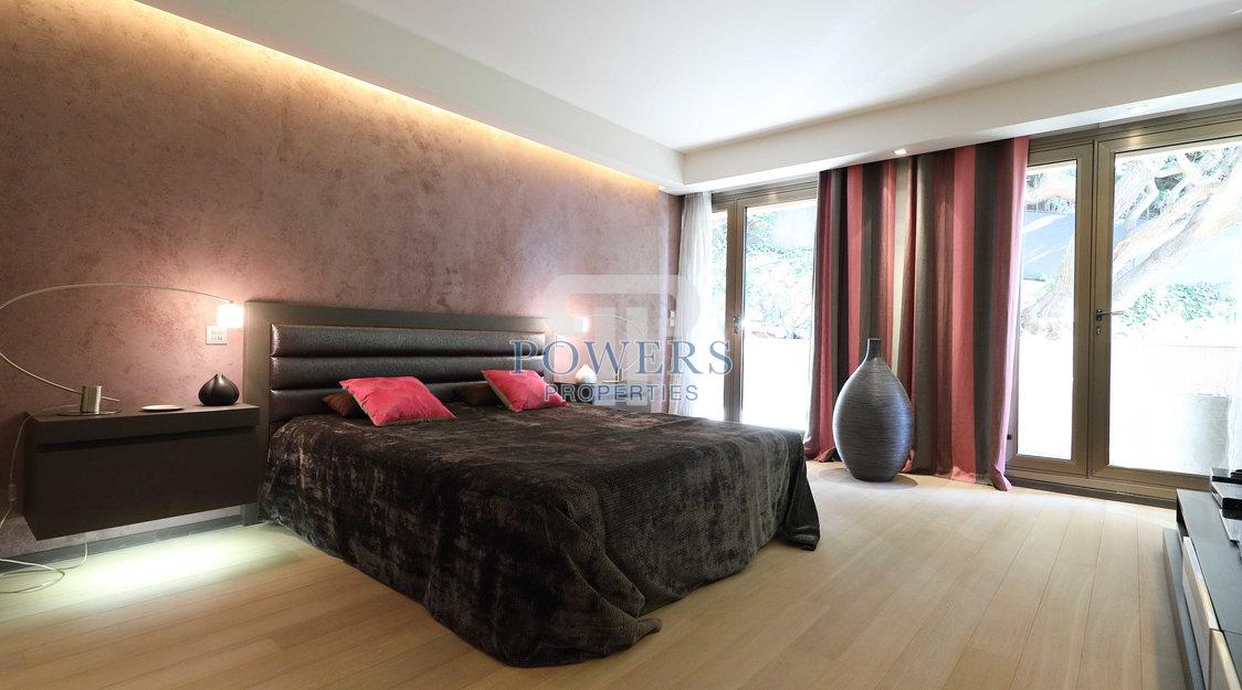Duplex avec toit terrasse dans résidence privée