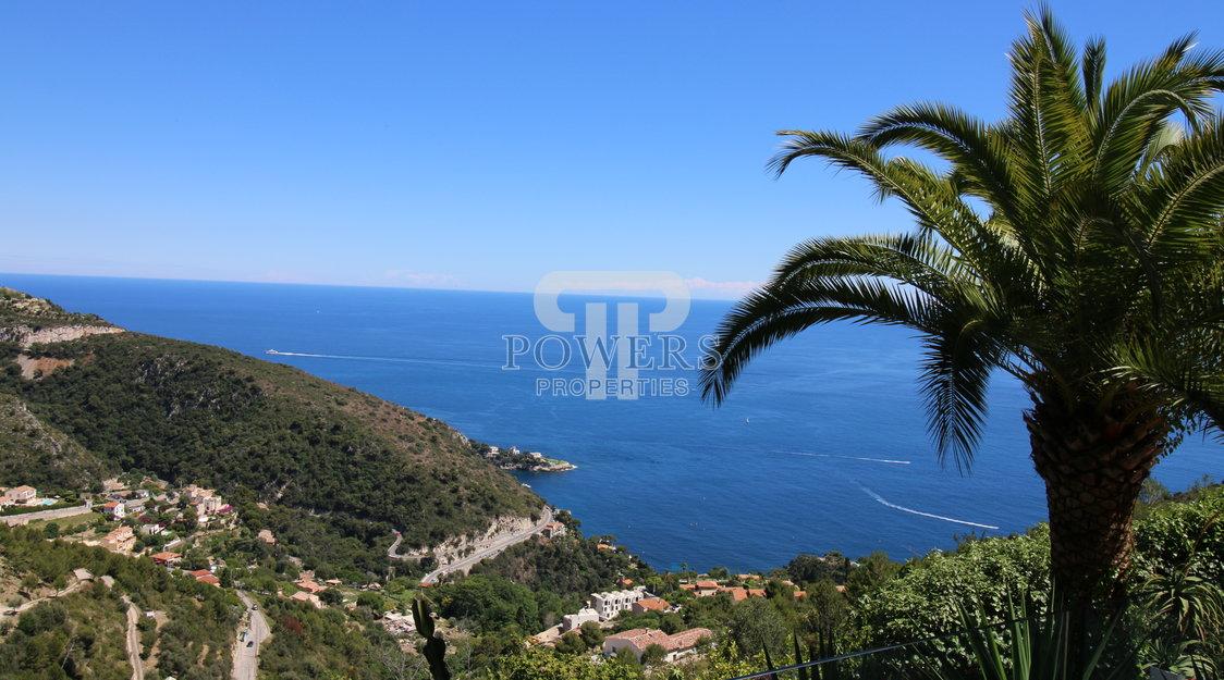 Eze proche village, belle villa rénovée vue mer