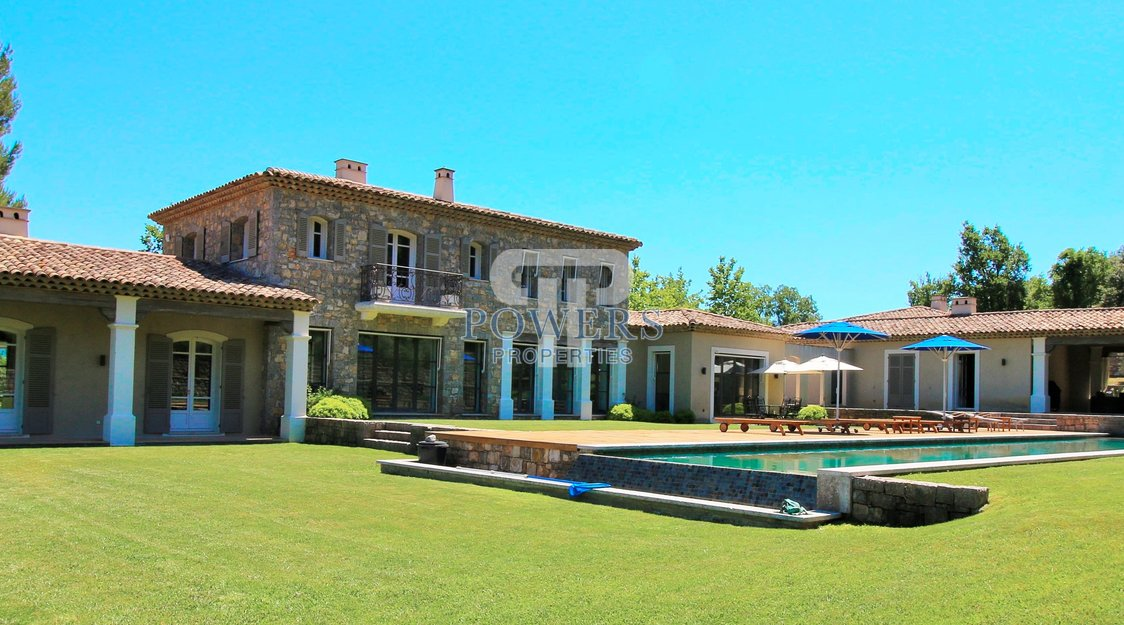 Stunning property at Terre Blanche Resort