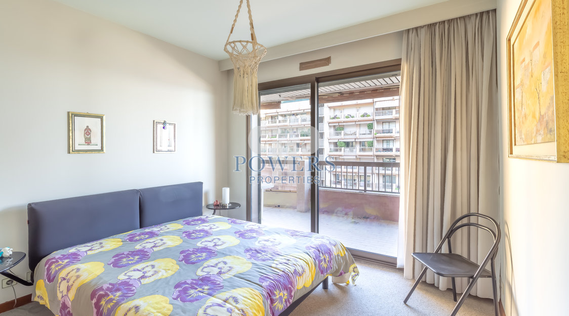 2 Bedroom apartment in the Golden Square - Les Acanthes
